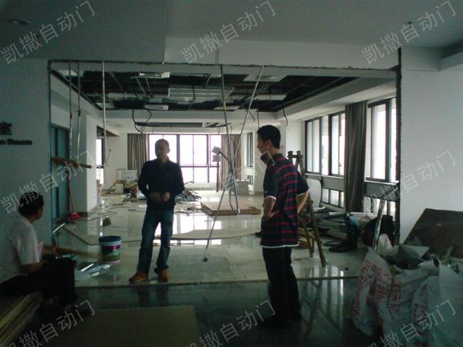 广州自动门厂家传授感应门的配件组装方法