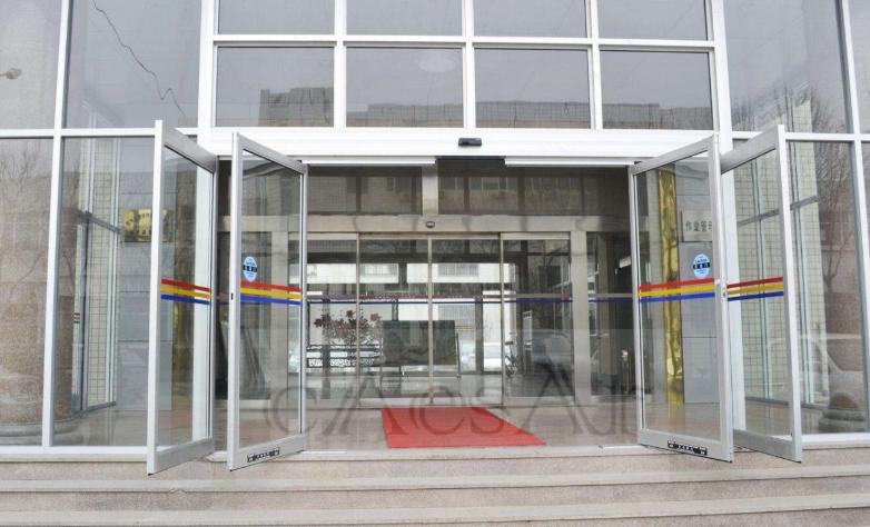 停电也能使用的自动玻璃门紧急逃生自动门